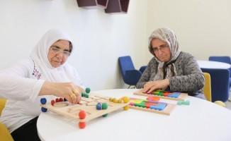 Büyükşehir, Alzheimer hasta ve hasta yakınlarını unutmadı