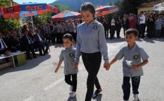 Eğirdir'de İlköğretim Haftası kutlamaları