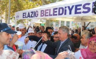 Elazığ'da 3 bin kişiye aşure dağıtıldı