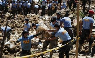 Filipinler'deki Mangkhut tayfununda ölü sayısı 81'e yükseldi