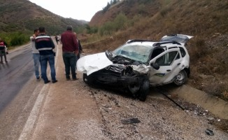 Gümüşhane'de hafif ticari araçla cip çarpıştı: 3 yaralı