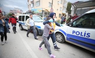 GÜNCELLEME 2 - Bursa'da bir binada patlama sonucu yangın çıktı