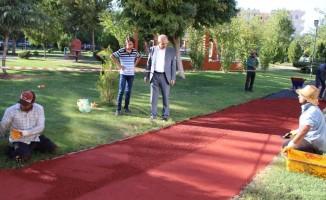 Haliliye'de parklarda çalışmalar sürüyor