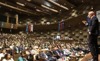 HKÜ'de yeni akademik yıl açılış dersini Rektör Yılmaz verdi