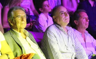 İzmir Ekonomi'de yeni dönem Can Bonomo'yla başladı