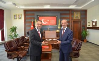KAEÜ' Rektörü Vatan Karakaya'ya YÖK Başkan Vekili Kapıcıoğlu'ndan ziyaret