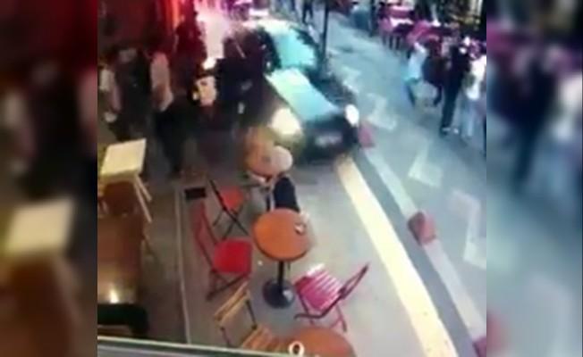 Kafelerin olduğu yüzlerce insanın oturduğu sokağa dalan lüks otomobil sürücüsünün kimliği belli oldu