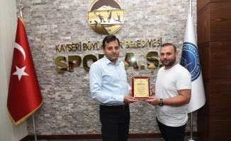 """Kayseri Büyükşehir Belediyesi Spor A.Ş., """"Tüm gazilerimize şükranlarımızı sunarız"""""""