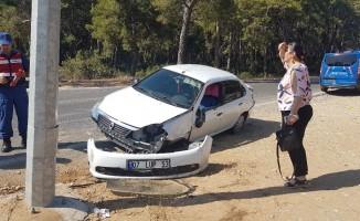Manavgat'ta trafik kazaları: 2 yaralı