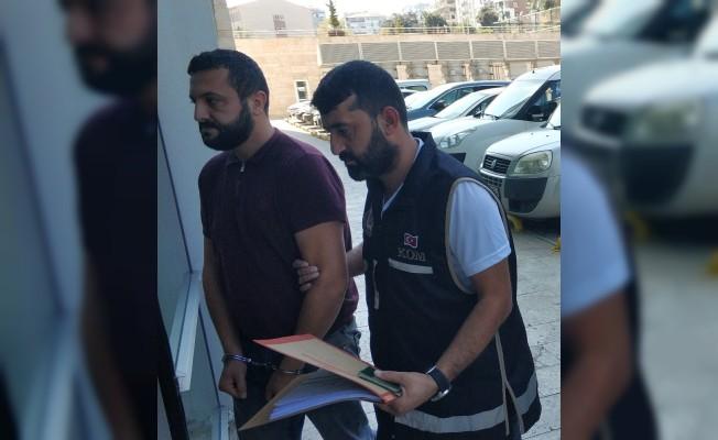 Midibüste ele geçen 23 bin 800 paket kaçak sigaraya 1 tutuklama