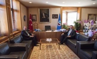 Milletvekili Karacan, Rektörü Çomaklı'yı ziyaret etti