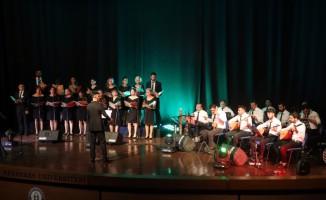 Onkoloji Servisi korosundan Gaziler Günü konseri