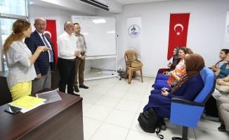 Pamukkale Belediyesi engelleri birer birer kaldırıyor