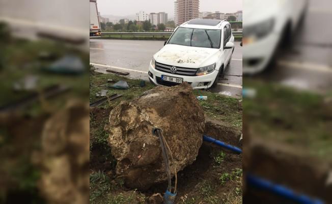 Samsun'da cip devrildi: 3 yaralı