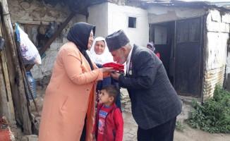 Sarıkamış Ak Parti Kadın Kolları Gazileri ziyaret etti