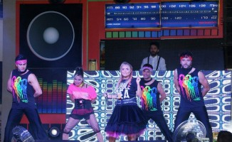 Yonca Evcimik, Forum Aydın'da konser verdi