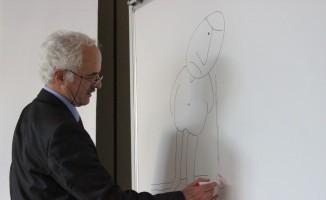 """Aksoy: """"Karikatür çizgi ile mizah yapma sanatıdır"""""""