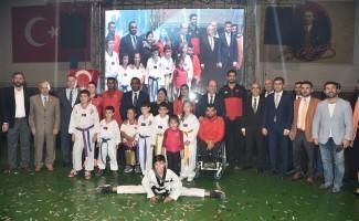 Amatör Spor Haftası'nda Başkan Tuna'ya ödül