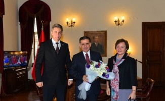 Ankara Valisi Topaca, PTT Başmüdürü Kaya'yı kabul etti
