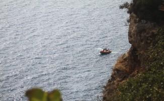 Antalya falezlerde erkek cesedi bulundu