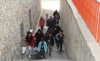 Başkale'de 108 yabancı uyruklu kaçak şahıs yakalandı