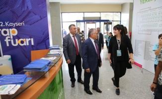 """Başkan Büyükkılıç: """"Kitap Fuarı Kayseri'nin kültür ve sanat merkezi olduğunun göstergesidir"""""""