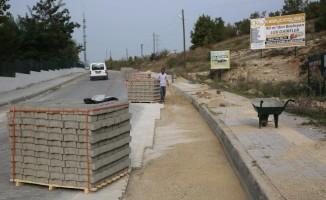 Belediyeden hasar gören yollara müdahale