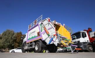 Çöp kamyonundan kütüphane yola çıkıyor