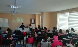 Çorlu Gençlik Merkezi dolup taşıyor