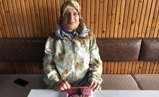 Ev hanımı, 57 yaşında şiir kitabı yazdı