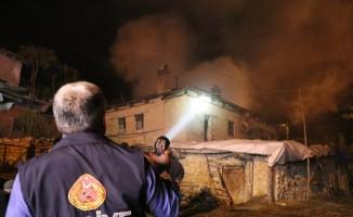 Evinde yangın çıkan yaşlı kadın öldü