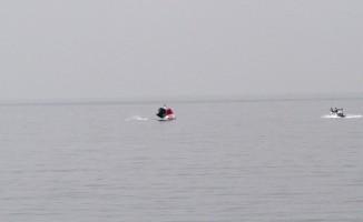 Fethiye'de yamaç paraşütü pilotu denize indi