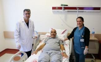 Karaciğer nakli ile 13 yıl sonra tekrar hayata tutundu