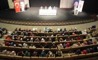 """Konya'da """"Mutlu Ebeveyn, Güçlü Aile"""" programı"""