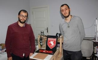 Mühendislik öğrencileri, 7 bin TL'lik CNC makinesini 250 TL'ye yaptı