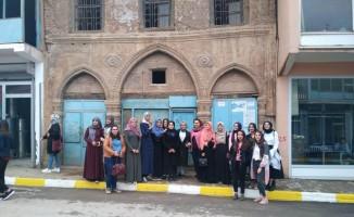 Muş'a ilk defa gelen üniversite öğrencileri şehri gezdi