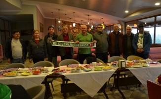 Mutlu'dan, Çiçeklidedespor Voleybol takımına kahvaltı