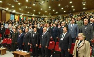 """""""Ord. Prof. Dr. Aydın Sayılı anısına Türkiye'de Bilim ve Bilim Tarihi Çalıştayı"""" sona erdi"""