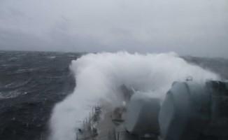 Oruçreis fırkateyninin Kuzey Denizindeki zorlu seyri