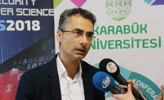 """Prof.Dr. Hüseyin Şeker: """"Büyük veri ve yapay zeka gelecek 5-10 seneye hükmedecek"""""""