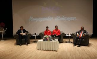 Şampiyon sporcular Darıca'da gençlerle buluştu