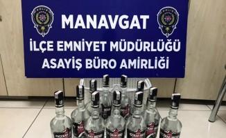 Sucuk ve alkollü içecek hırsızları yakalandı