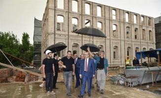 Tarihi okul ve kaymakamlık binaları restore ediliyor