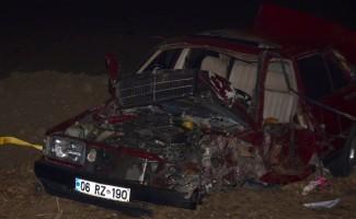 Tekirdağ'da iki otomobil çarpıştı: 1 ölü, 2 yaralı