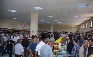 Torbalı'daki sosyal markete görkemli açılış