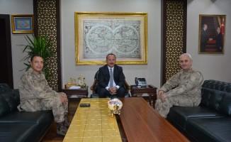 Tümgeneral Fuat Güney Vali Ali Fuat Atik'i ziyaret etti