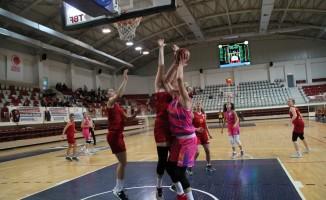 Türkiye Kadınlar Basketbol Ligi: Yalova VIP: 96 Galatasaray Gelişim: 57