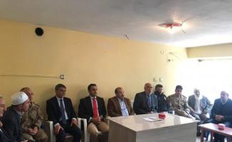Vali İsmail Ustaoğlu'ndan şehit polisin ailesine taziye ziyareti