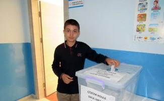 Yozgat Çözüm Koleji meclis başkanını seçti