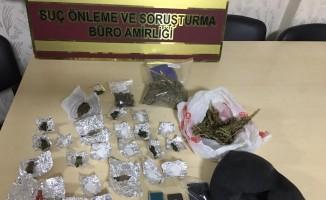 Aracıyla uyuşturucu ticareti yapan şahıs yakalandı